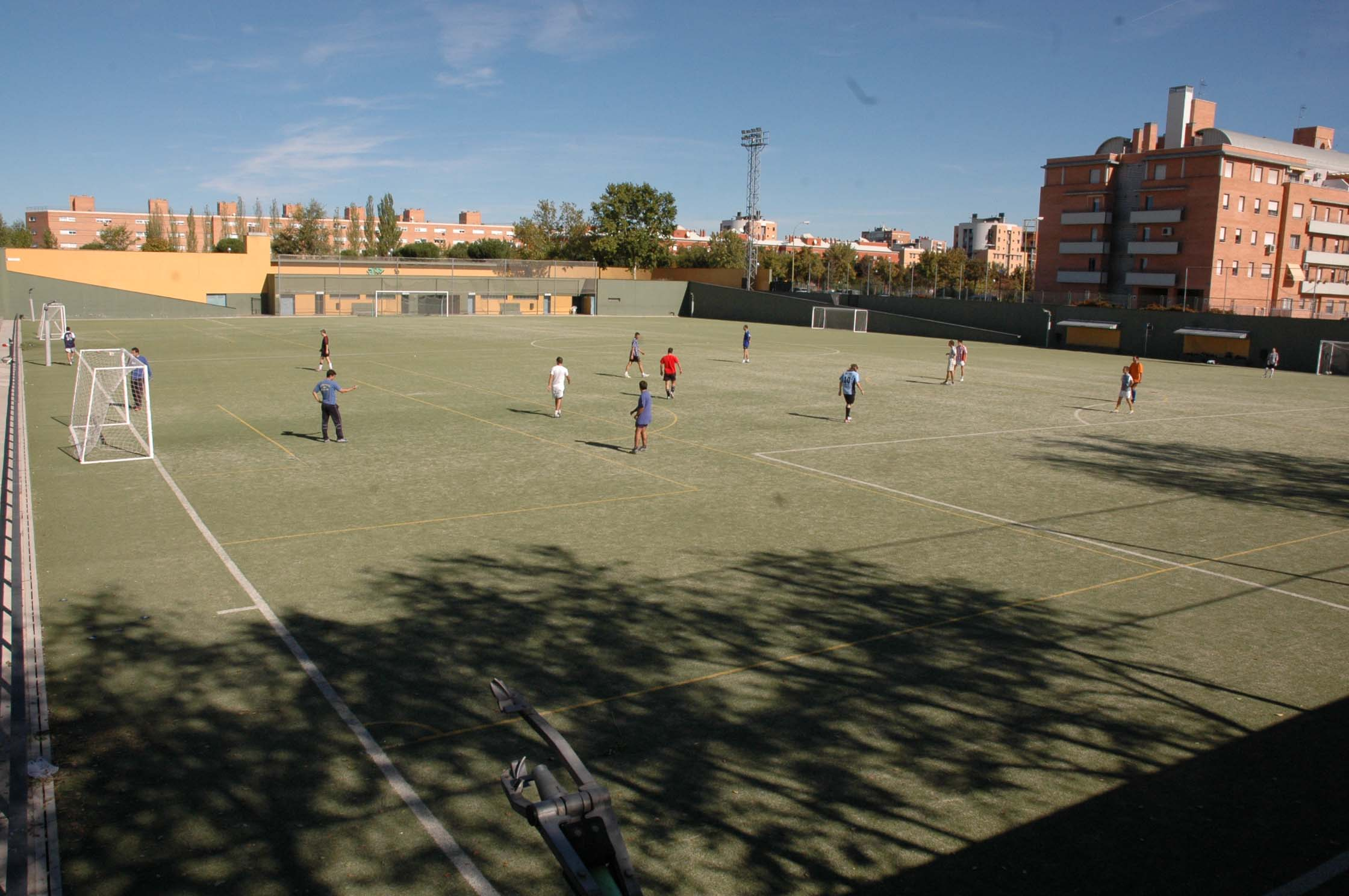 Centro deportivo municipal aluche for Piscina municipal aluche