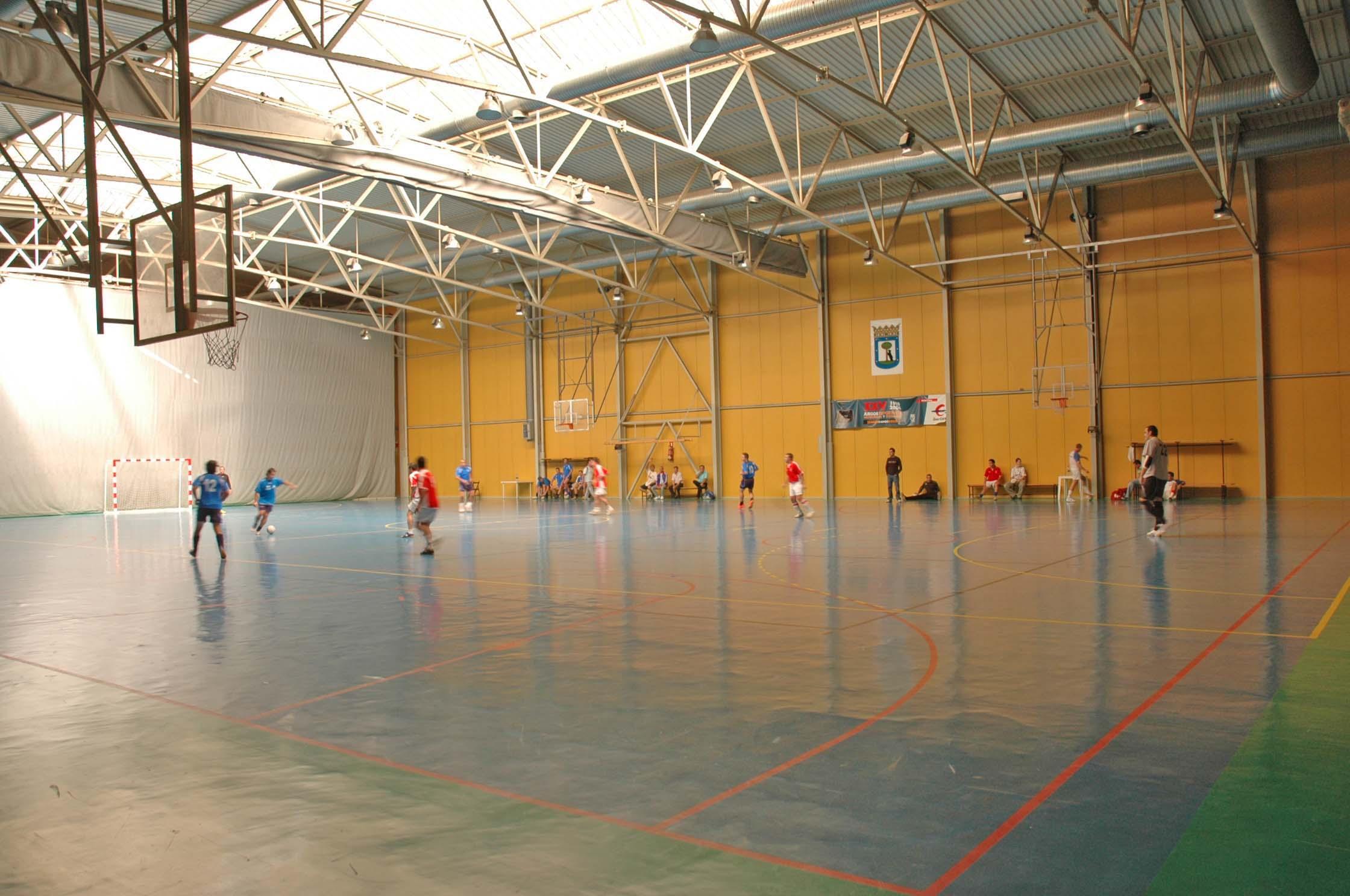 Pabellon de deportes de madrid dover grey pabelln for Gimnasio nirvana