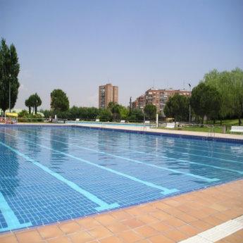 Relaci n de piscinas cubiertas en servicio temporada 2018 for Piscina municipal moscardo