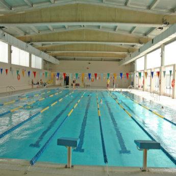 Centro deportivo municipal la mas ayuntamiento de madrid for Piscina vicente del bosque