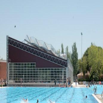 Relaci n de piscinas cubiertas en servicio temporada 2018 for Piscina municipal arganzuela