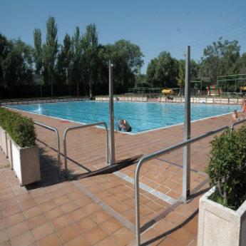 Relaci n de piscinas cubiertas en servicio temporada 2018 for Cubiertas para piscinas madrid