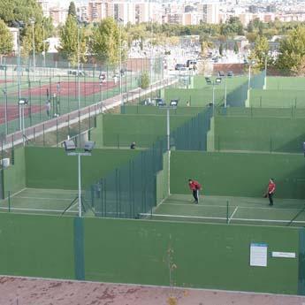 Relaci n de piscinas cubiertas en servicio temporada 2017 for Piscina municipal moscardo