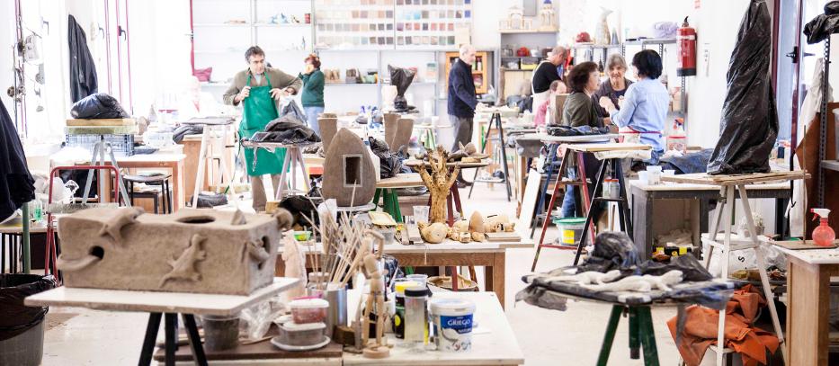Escuela de cer mica de la moncloa oferta formativa for Curso ceramica madrid
