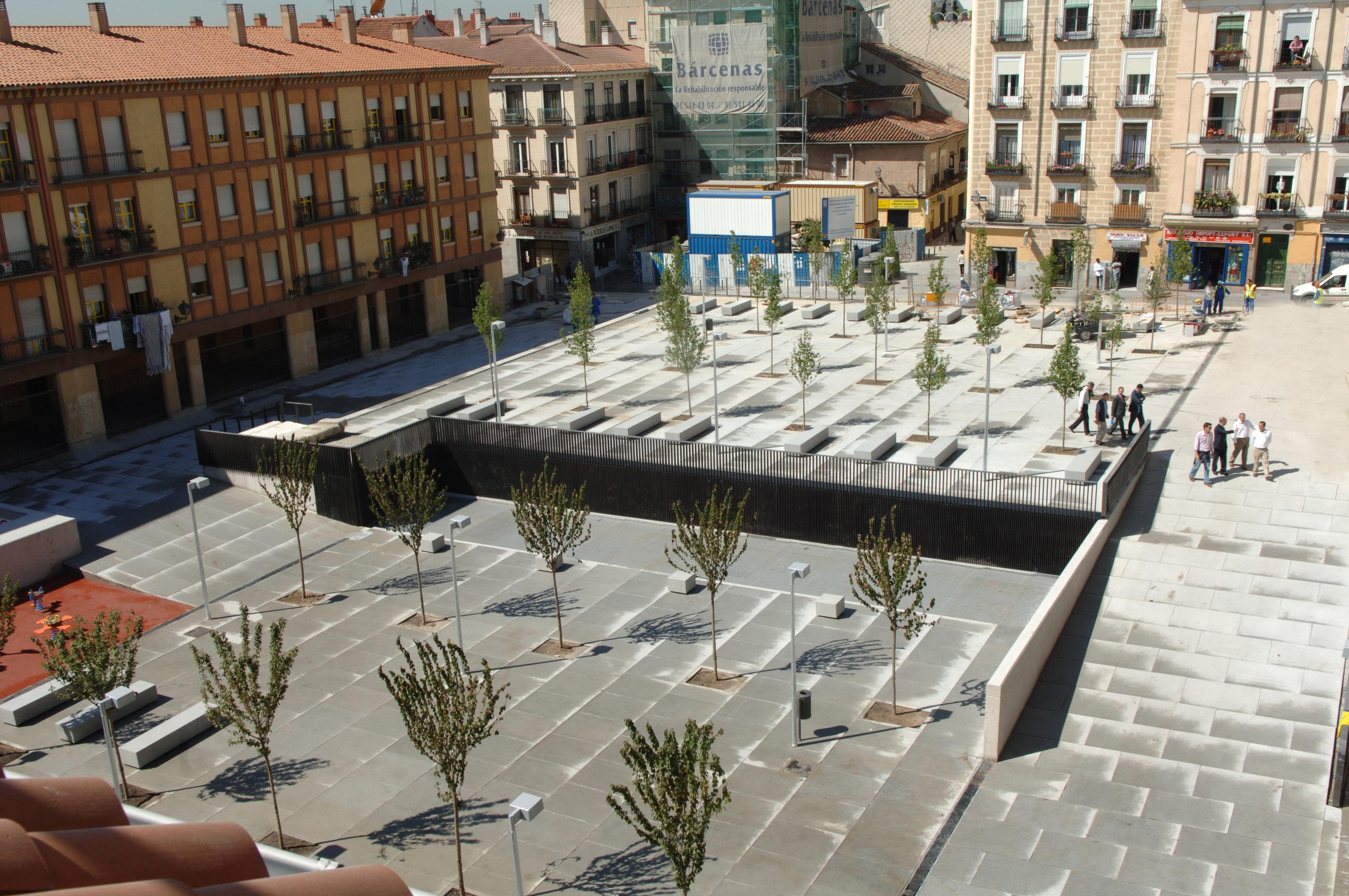 Lavapi s estrena dos plazas y un aparcamiento para for Plaza de aparcamiento