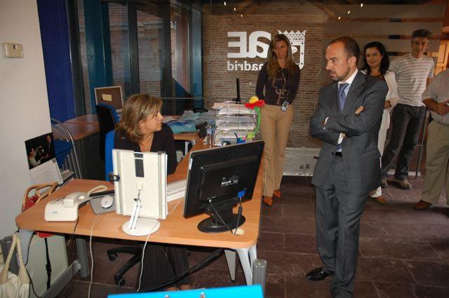 Tres nuevas agencias de zona para facilitar el empleo a for Oficina de empleo madrid usera