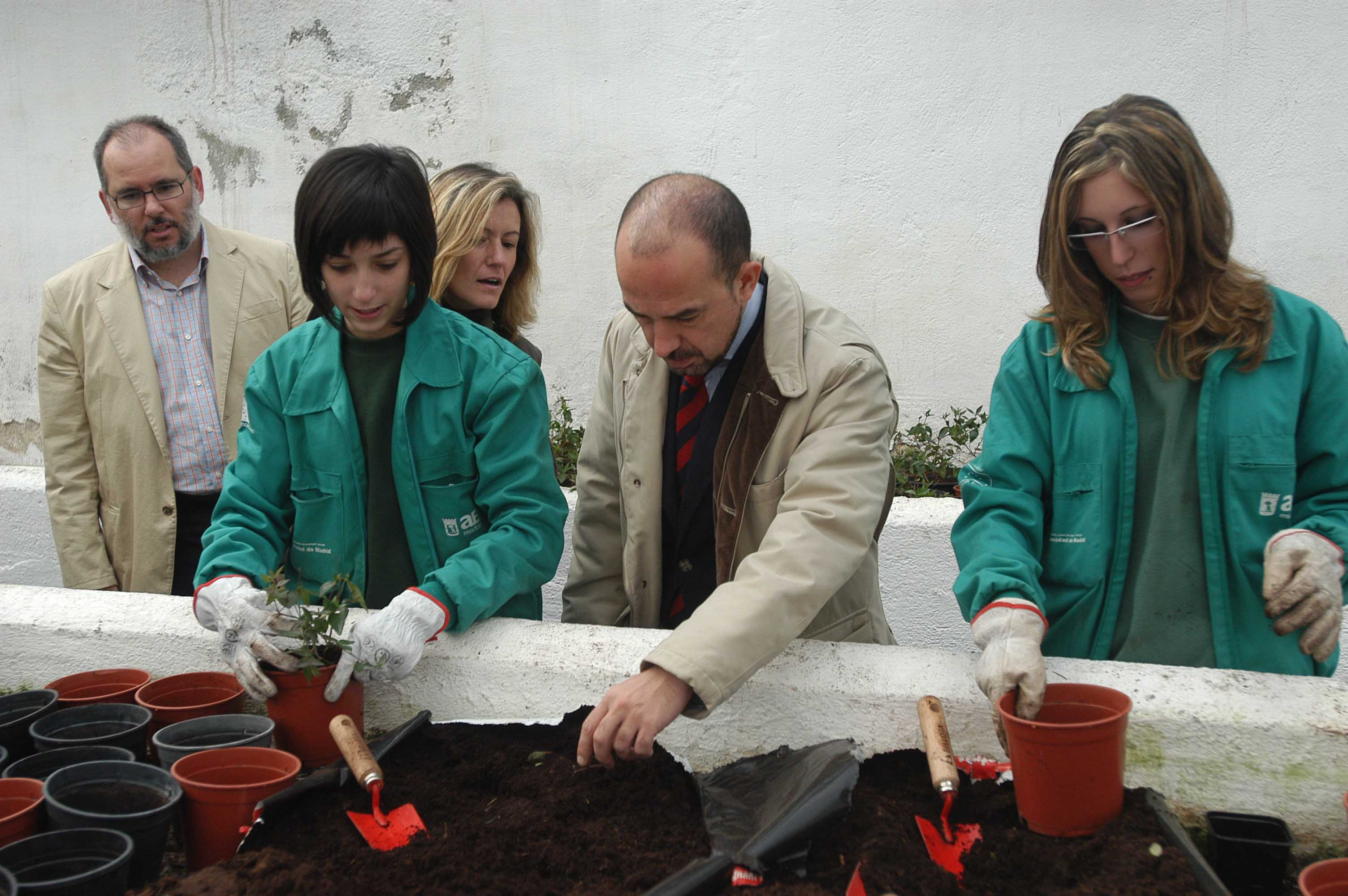 El 60 de los alumnos de la escuela municipal de - Trabajo jardineria madrid ...