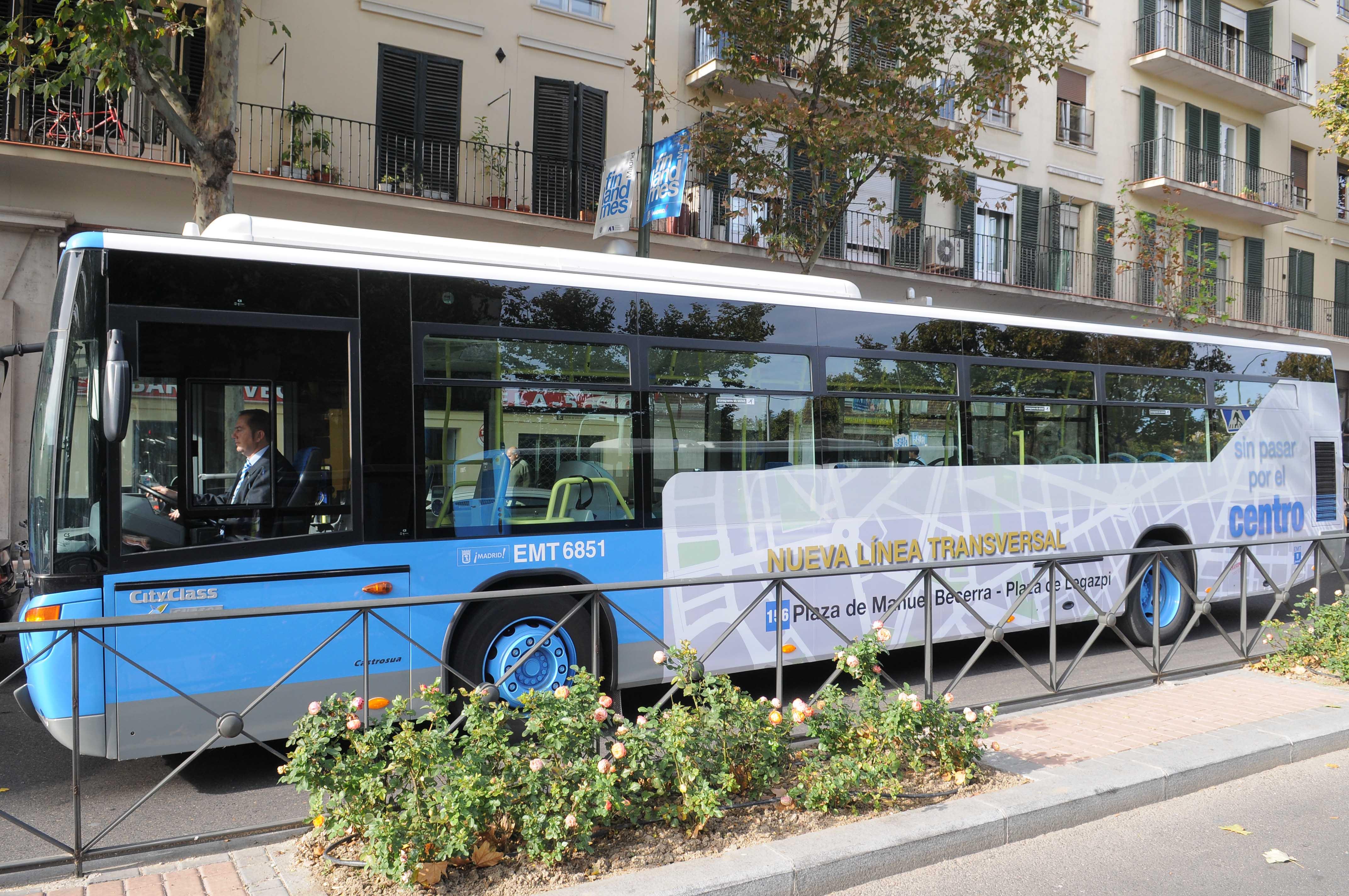 En autob s de manuel becerra a legazpi ayuntamiento de for Piscina 02 manuel becerra