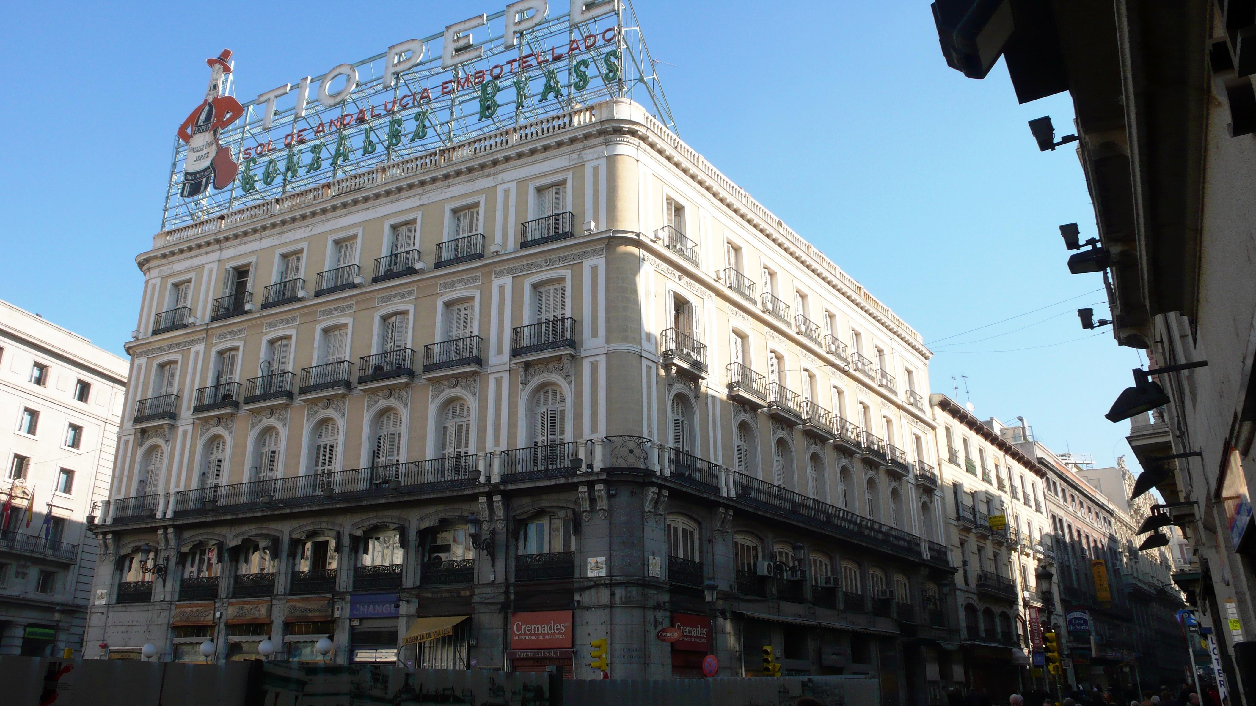 Sol recupera a t o pepe ayuntamiento de madrid for Edificio puerta real madrid