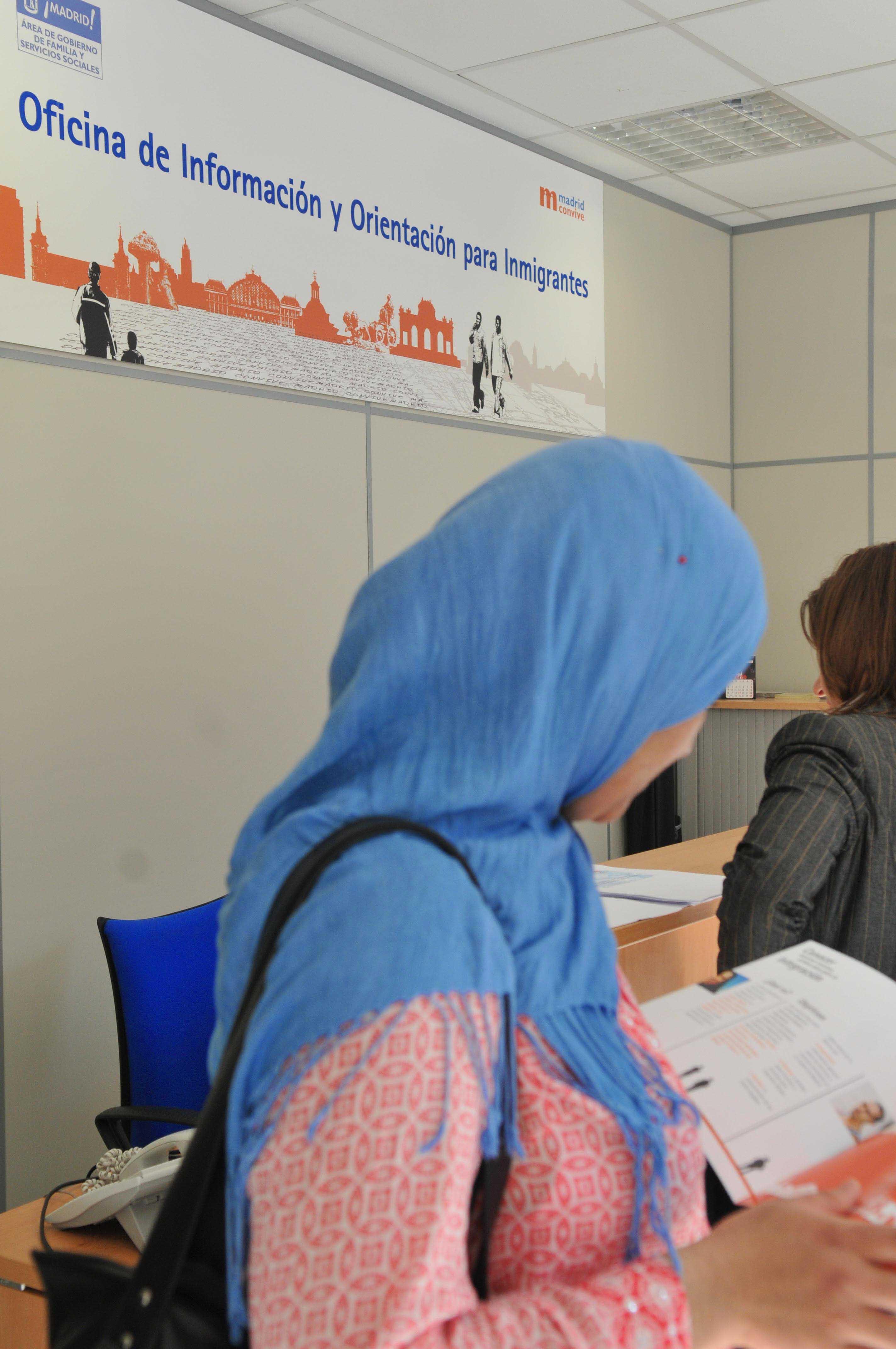 Nuevas oficinas de informaci n a inmigrantes ayuntamiento de madrid - Oficina de empadronamiento madrid ...