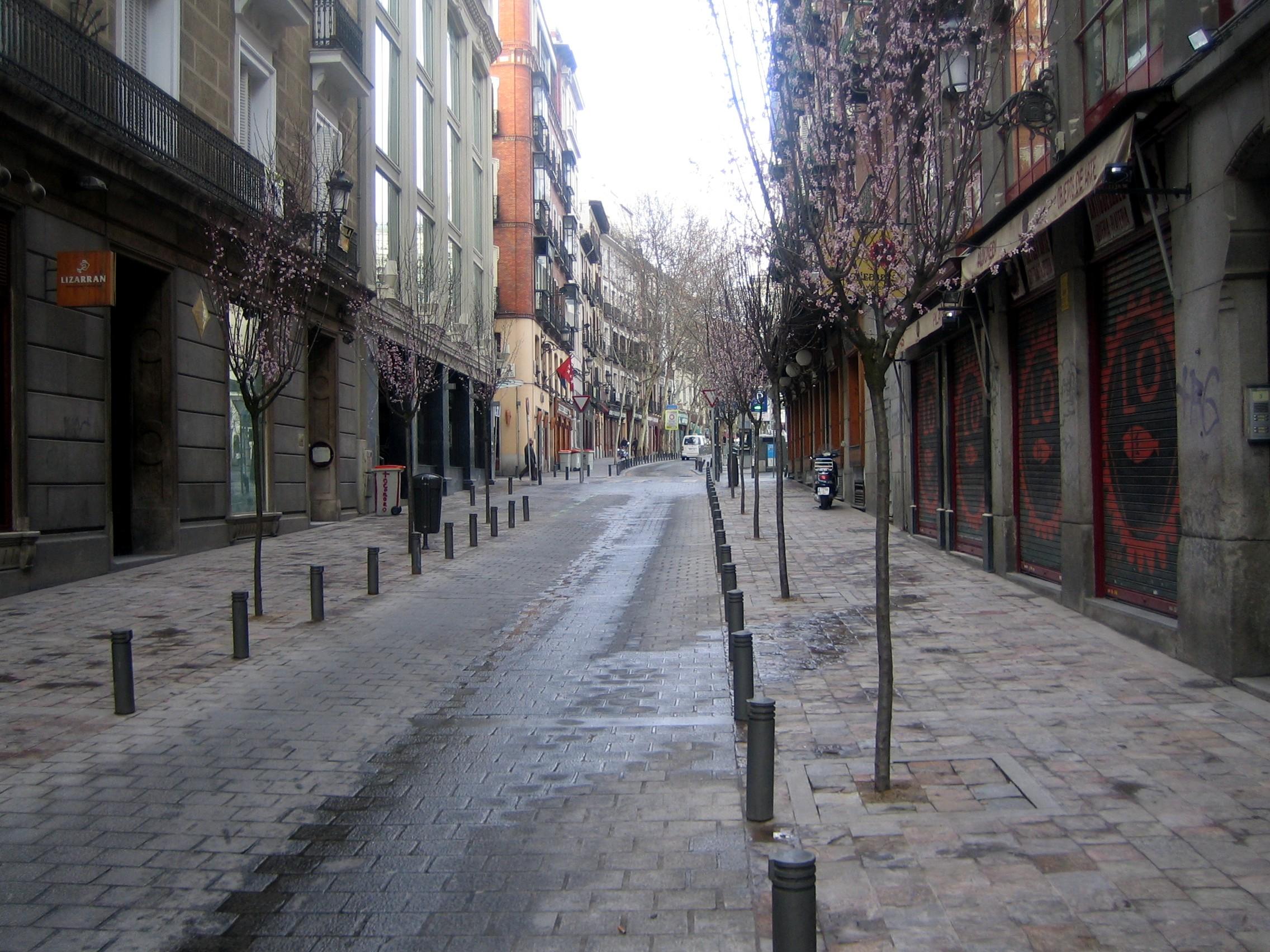 Huertas las letras estrena imagen ayuntamiento de madrid for Calle prado jerez 3 navacerrada