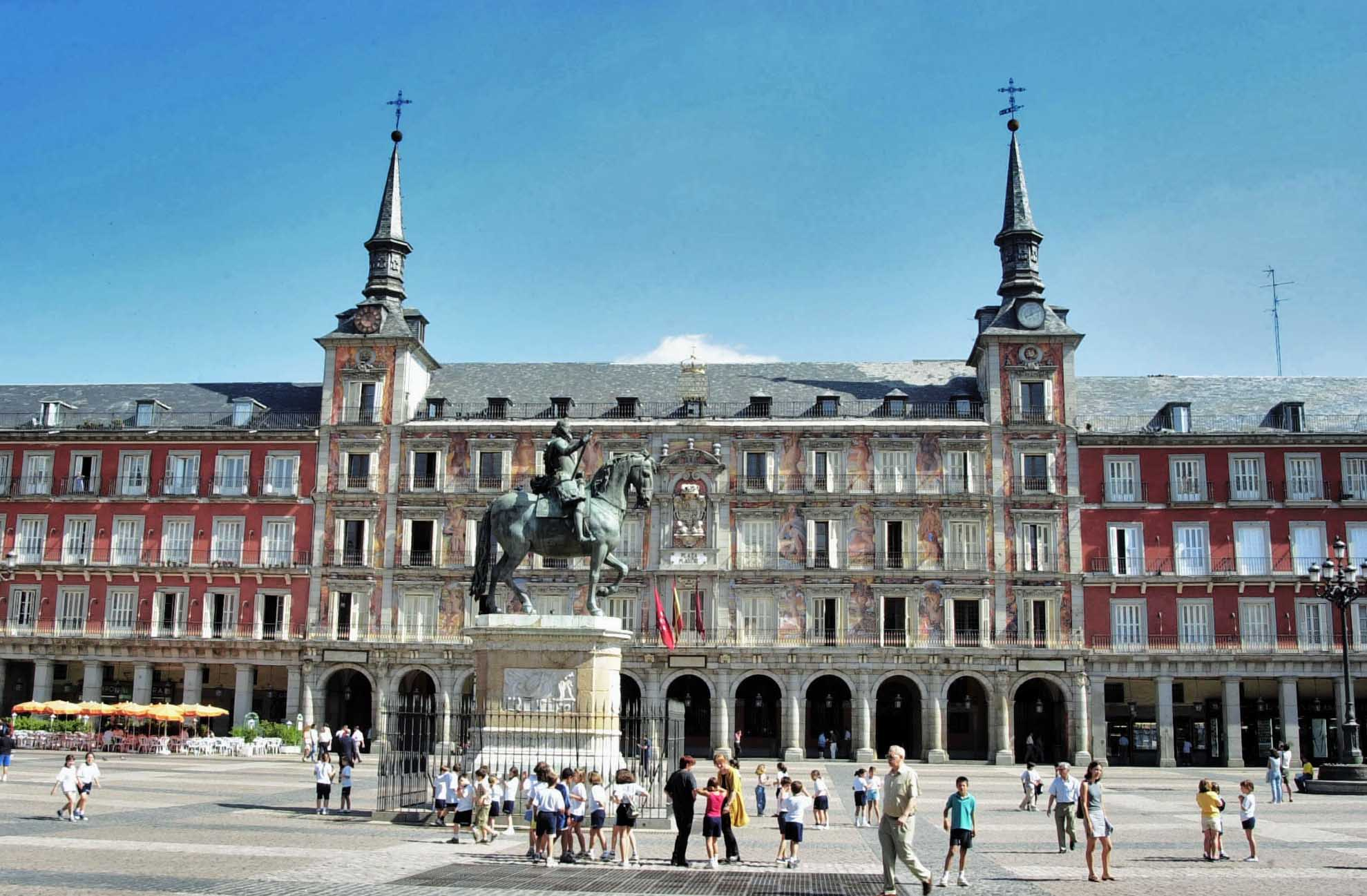 Tesoros de madrid en familia ayuntamiento de madrid for Oficina familia numerosa madrid