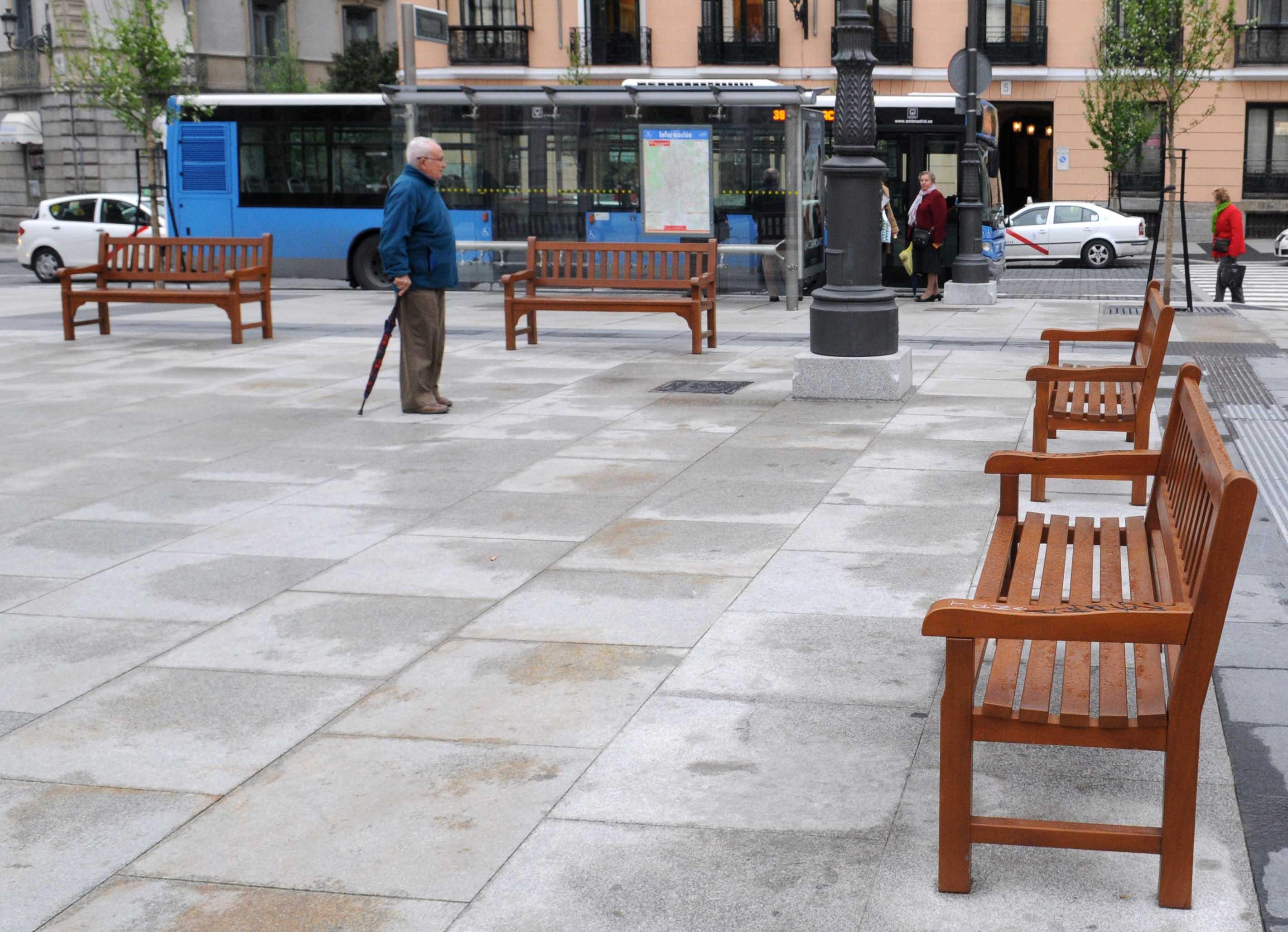 Mobiliario urbano seguro ayuntamiento de madrid - Mobiliario urbano madrid ...