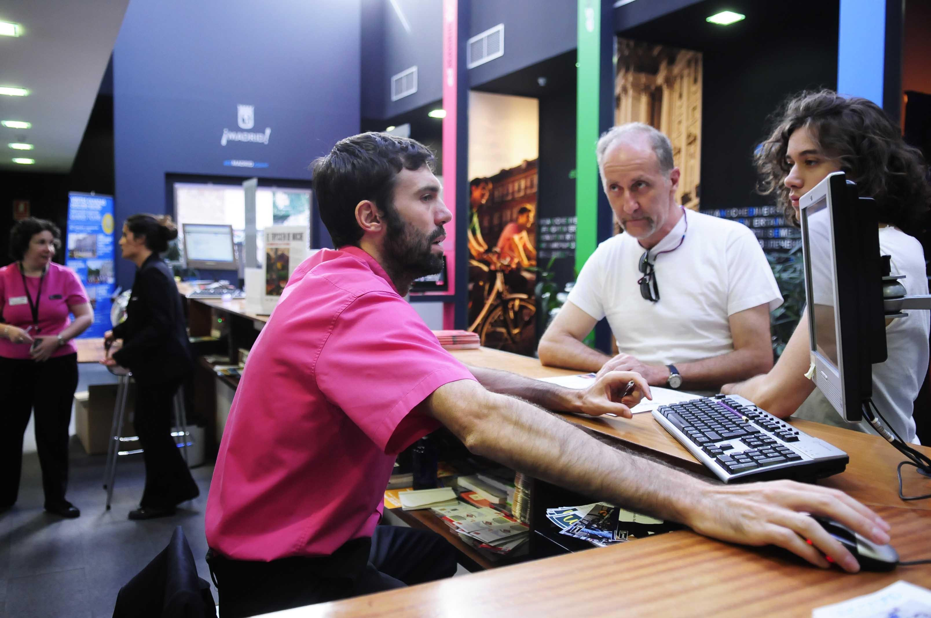 R cord de atenciones en la oficina de turismo for Oficina turismo francia en madrid