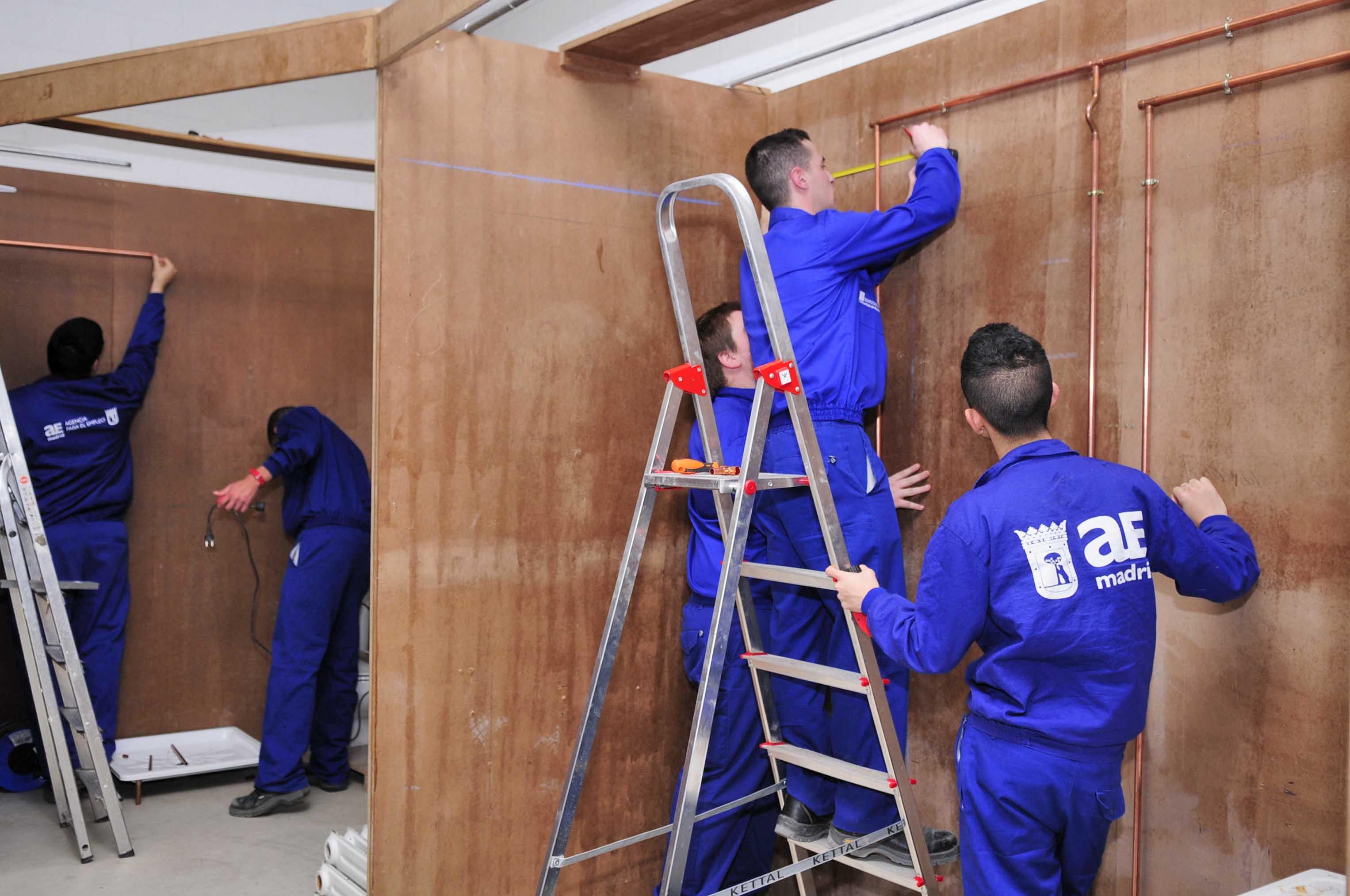 Becas de estudio para desempleados ayuntamiento de madrid for Portal empleo madrid