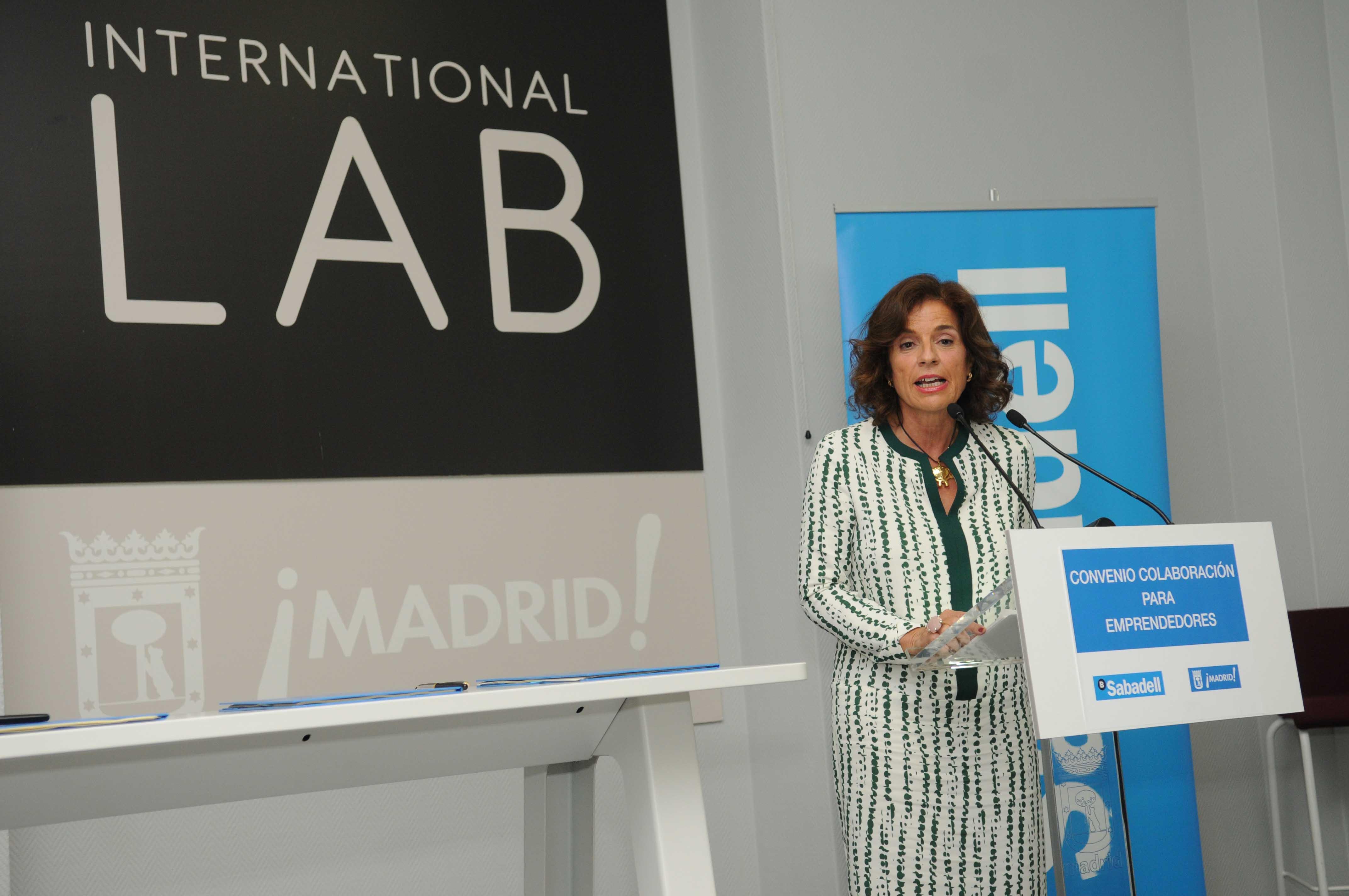 Ayuntamiento y banco de sabadell juntos en el apoyo a los for Banco abierto sabado madrid