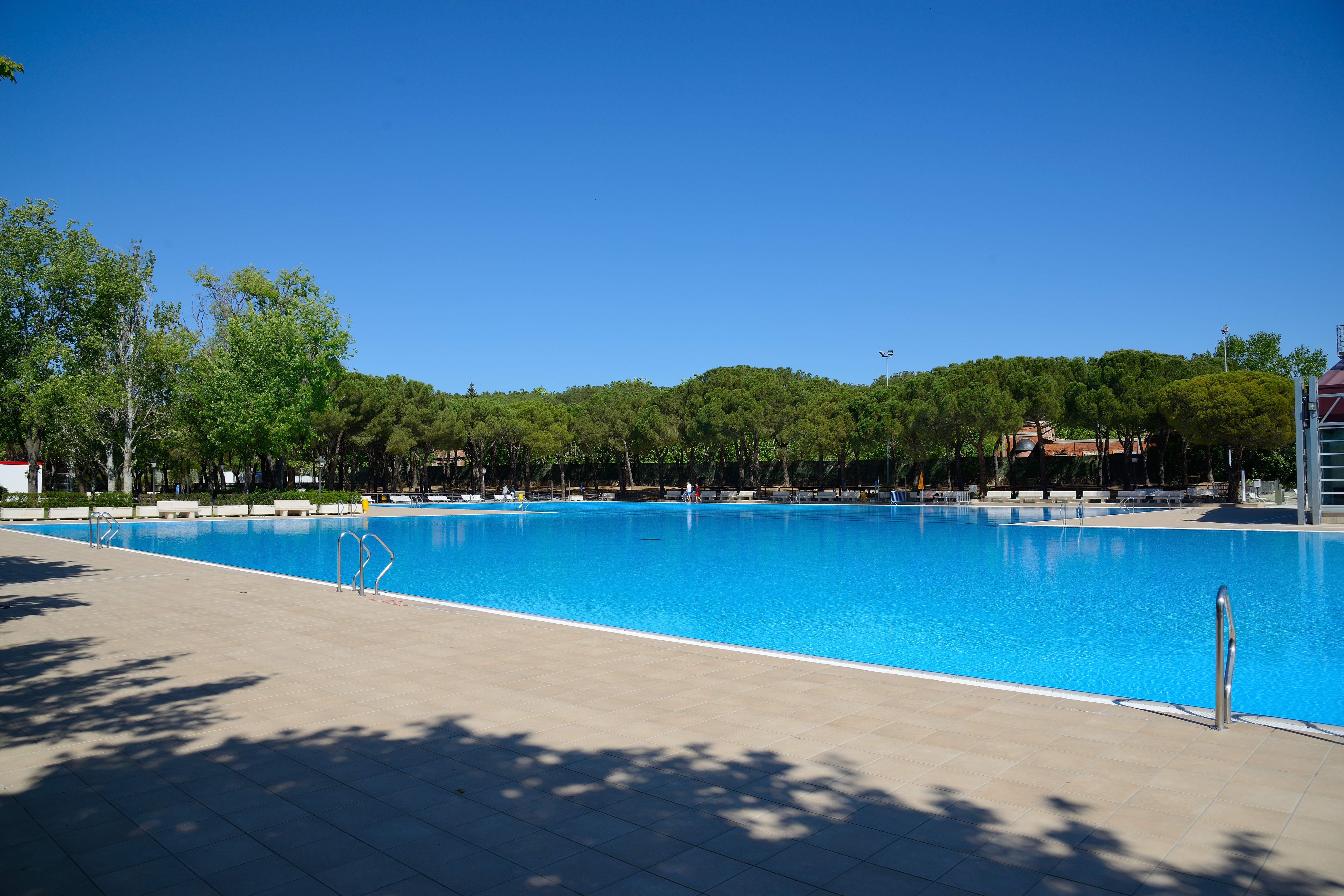 Las piscinas municipales de verano abren con entrada for Piscinas privadas madrid