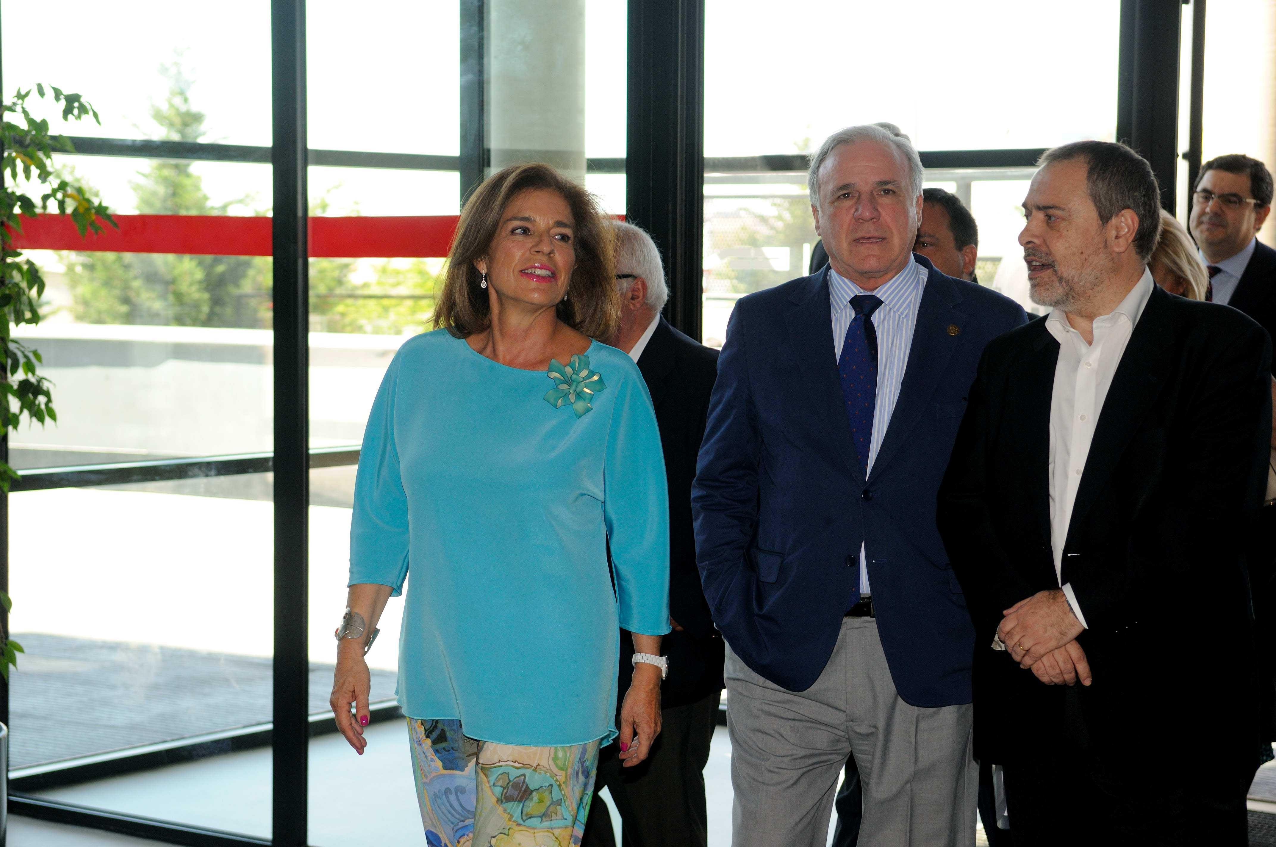 Botella visita la fundaci n laboral de la construcci n for Piscina municipal vicalvaro