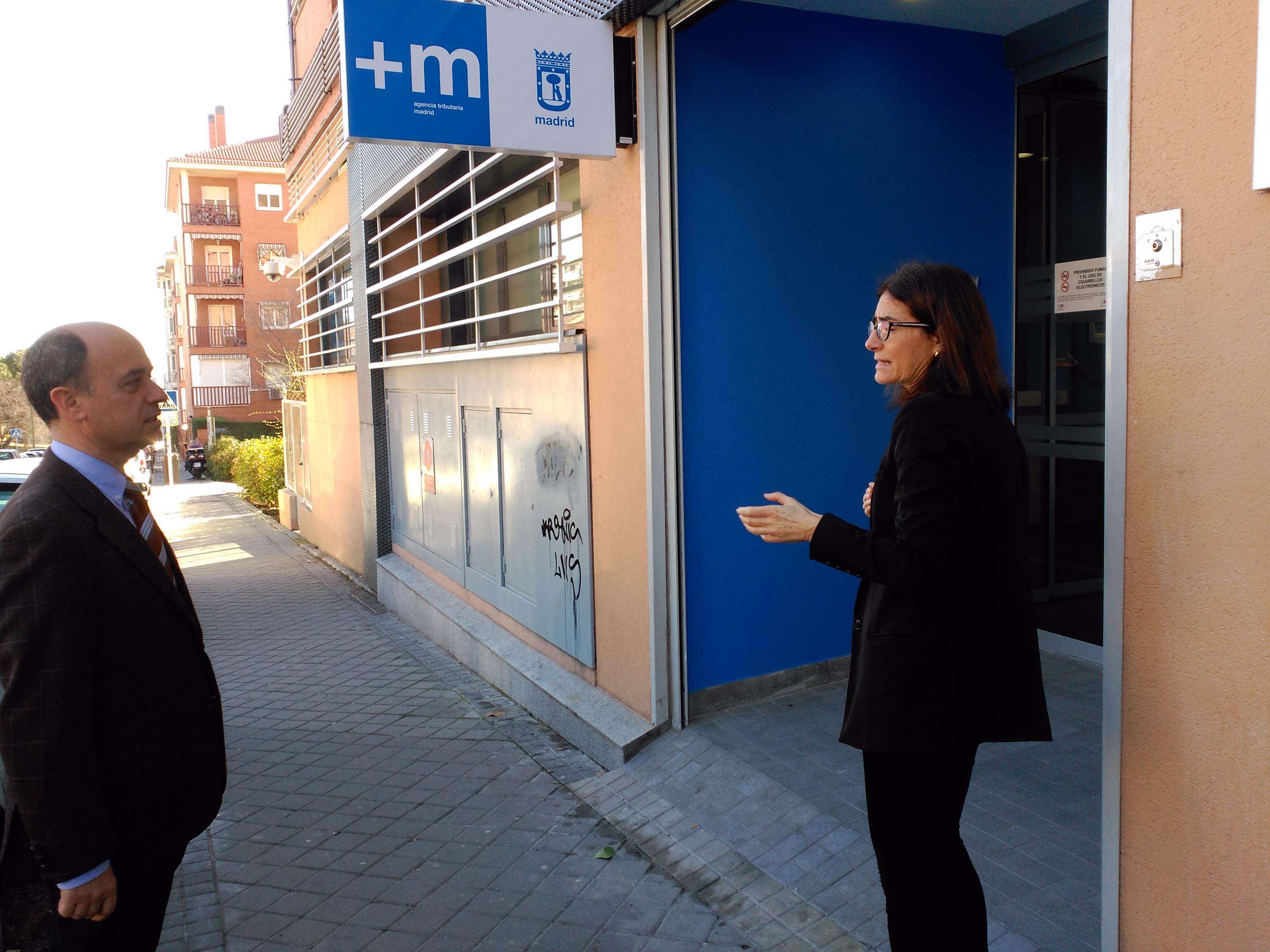 Hortaleza cuenta con la quinta oficina de atenci n for Oficina atencion al contribuyente madrid
