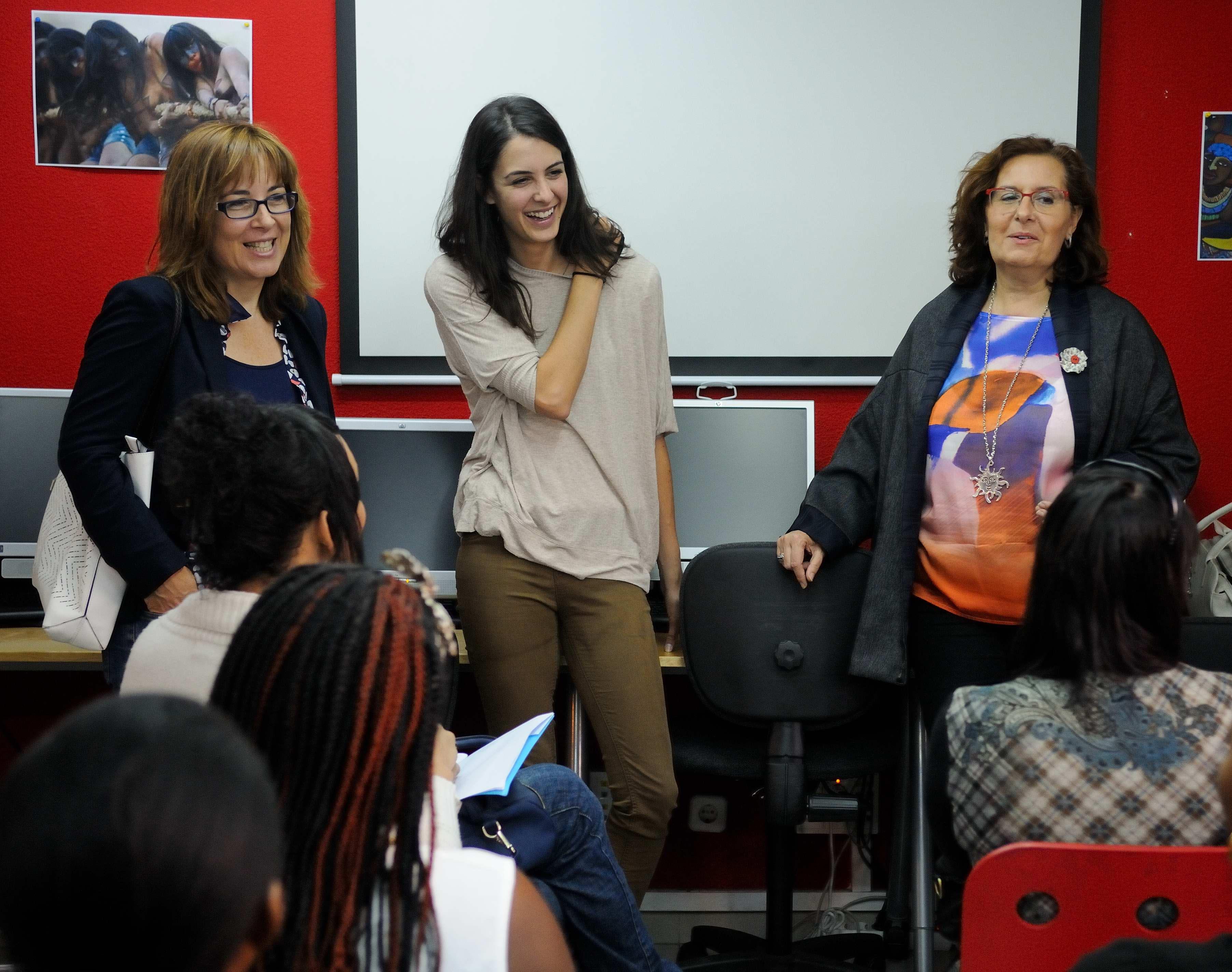 La portavoz municipal, Rita Maestre, en una visita reciente al Centro Concepción Arenal, el primer dispositivo municipal de atención específica y especializada a mujeres que quieren dejar la prostitución