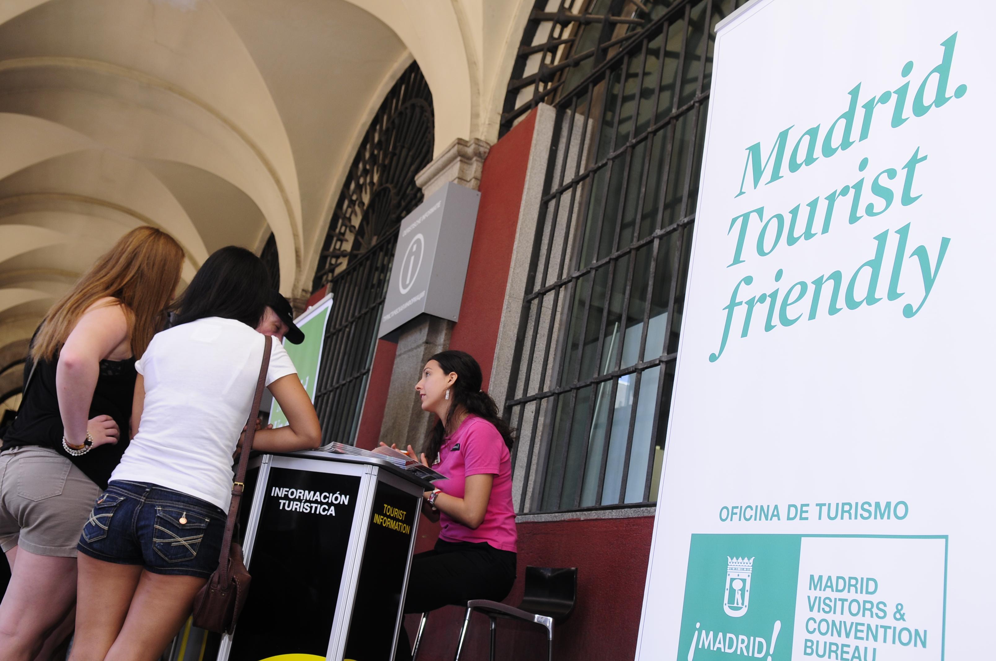 Madrid participa en la principal feria de turismo for Oficina turismo francia en madrid