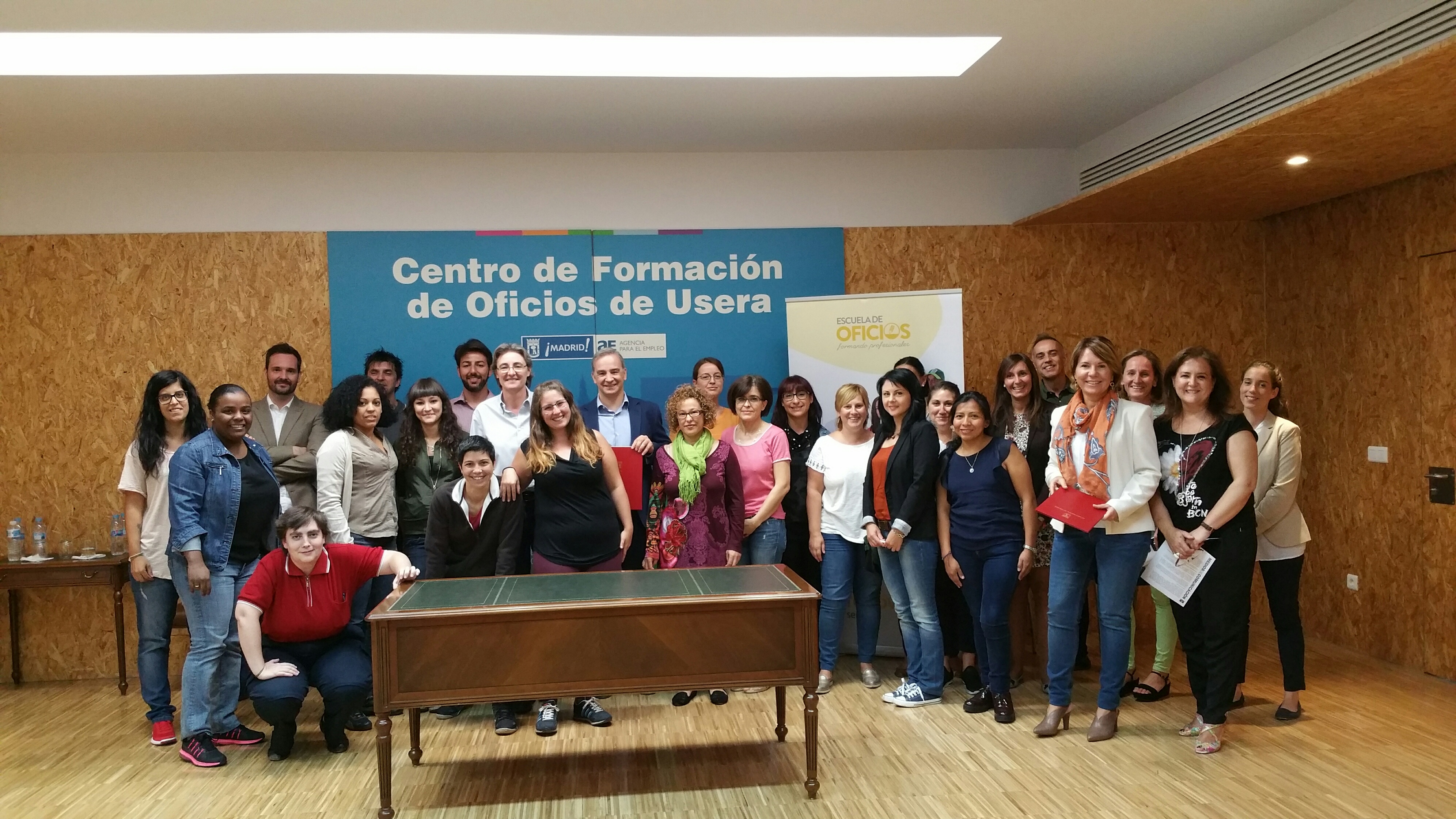 La escuela de oficios para mujeres comienza con el curso for Agencia de empleo madrid